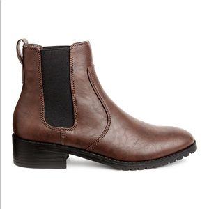H&M Chelsea Boot (8.5)